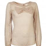 beżowa bluzka InWear z kokardą - trendy na jesień-zimę