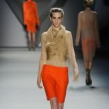 beżowa bluzka Vera Wang   trendy na jesień
