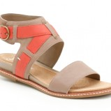 beżowe sandały Clarks - z kolekcji wiosna-lato 2012