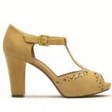 beżowe sandały Clarks z wytłoczonym wzorem - lato 2012