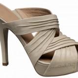beżowe sandały Deichmann na platformie - z kolekcji wiosna-lato 2011