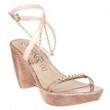 beżowe sandały Quazi z łańcuszkiem na koturnie - wiosna-lato 2011