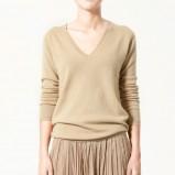 beżowy sweter ZARA - trendy wiosna-lato