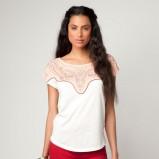 biała bluzka Bershka luźna - lato 2012