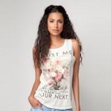 biała bluzka Bershka z nadrukiem na ramiączkach - lato 2012