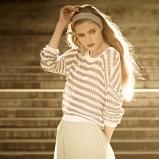 biała bluzka Pull and Bear w paski dzianinowa - moda 2012