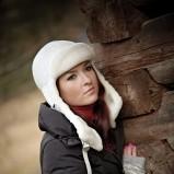biała czapka Gena - zima 2011/2012