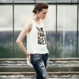 biała koszulka Bershka - sierpień 2012