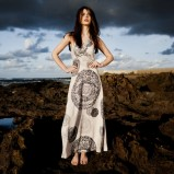 biała sukienka Grey Wolf we wzory długa - wiosna/lato 2012