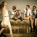 biała sukienka Pull and Bear na ramiączkach - trendy 2012