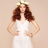 biała sukienka Stradivarius krótka - sezon letni