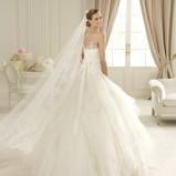 biała suknia ślubna księżniczka Pronovias przezroczysta