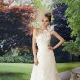 biała suknia ślubna Manu Garcia