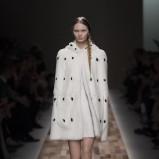 białe futro Valentino - jesień/zima 2013/14