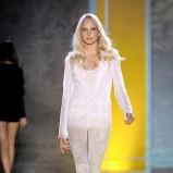 białe legginsy Patrizia Pepe koronkowe - wiosna/lato 2011