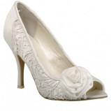 białe pantofle Menbur z kwiatem koronkowe - 2012
