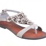 białe sandały CCC w kwiaty - lato 2011