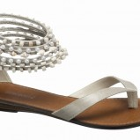 białe sandały Deichmann ze zdobieniami - letnia kolekcja