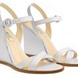 białe sandały Simple na koturnie - wiosna/lato 2012