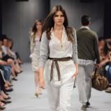 białe spodnie United Colors of Benetton z paskiem - lato 2011