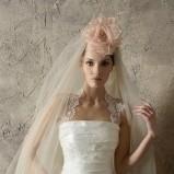 biały suknia ślubna Higar Novias z koronką - trendy 2012