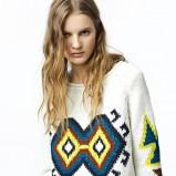 biały sweter ZARA we wzory - zima 2011/2012