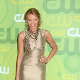 Blake Lively w złotej sukience