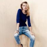 błękitne spodnie H&M jeansowe - kolekcja jesienna 2013