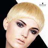 Blond krótka fryzurka
