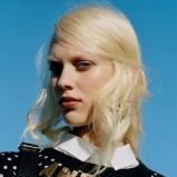bluza Topshop w groszki w kolorze czarnym - lato 2013