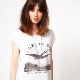 bluzeczka Asos z nadrukiem w kolorze białym - moda damska
