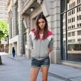 bluzka Adidas w kolorze szarym - lato 2013