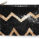 błyszcząca kopertówka Reserved w kolorze czarnym - małe torebki na imprezę
