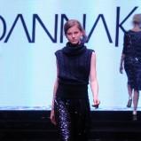 błyszcząca spódnica Joanna Klimas w kolorze czarnym - moda 2013