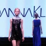 błyszcząca sukienka Joanna Klimas w kolorze czarnym - ubrania dla kobiet