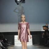 błyszcząca sukienka Plich w kolorze jasnoróżowym - moda na wiosnę i lato 2013