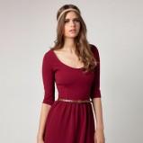 bordowa sukienka Bershka z paskiem - kolekcja jesienna