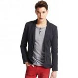bordowe spodnie Pull and Bear - trendy wiosna-lato
