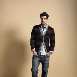 bordowy sweter Cottonfield w pasy rozpinany - jesień 2011