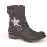botki Mustang w gwiazdki w kolorze czarnym - buty na zimę 2013/14
