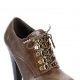 brązowe botki Styleup z zapięciami wysokie - jesień 2011
