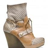 brązowe na koturnie botki Badura - obuwie na wiosnę 2013