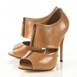 brązowe pantofle Topshop - trendy jesienne