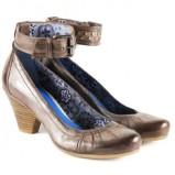brązowe pantofle Venezia - wiosenna kolekcja