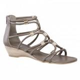 brązowe sandały Bata - kolekcja na lato