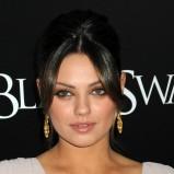 brązowo-czarny makijaż - Mila Kunis