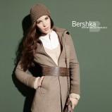 brązowy płaszczyk Bershka - jesień/zima 2010/2011