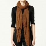 brązowy szalik ZARA - moda 2011