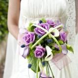 Bukiet ślubny z fioletowych róż