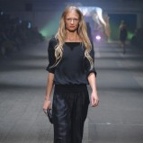 czarna bluzka Zień - moda wiosna/lato